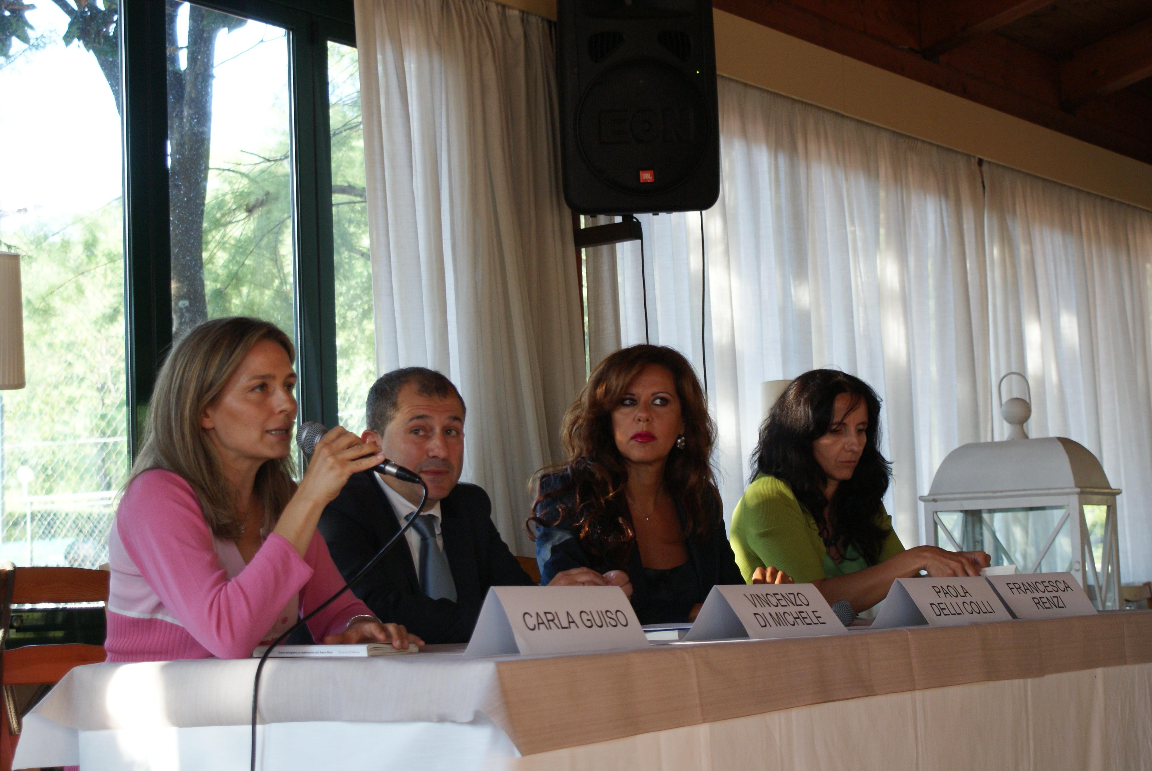 Da sinistra : l\'Avvocato della Sacra Rota Carla Guiso, lo scrittore Vincenzo Di Michele, La presentatrice Tv Paola Delli Colli, l\'avvocato della Sacra Rota Francesca Renzi